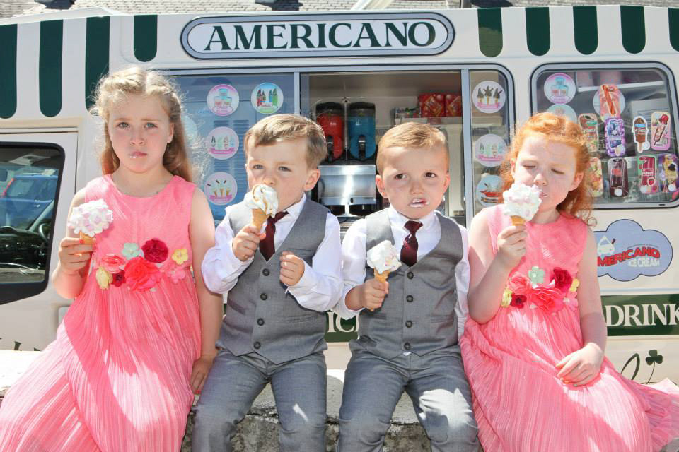 kids eating ice-cream